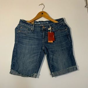 Mossimo Supply Co shorts size 7